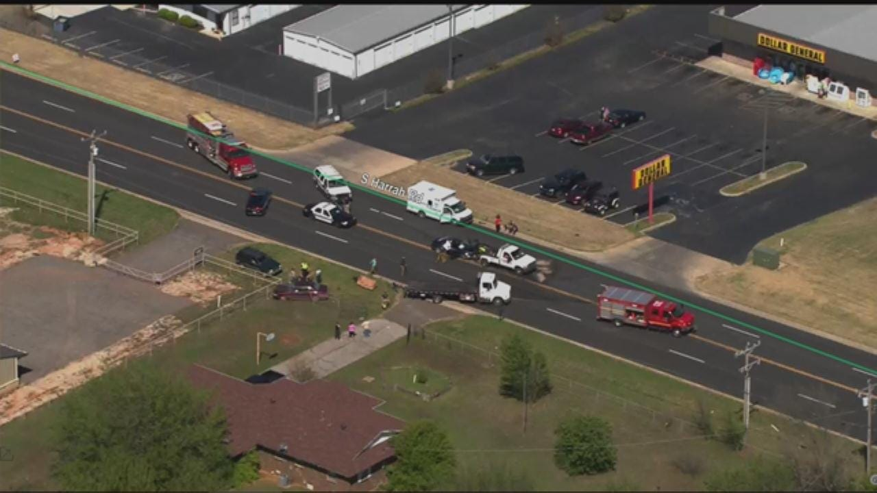 Injuries Reported After Head-On Crash Near Harrah