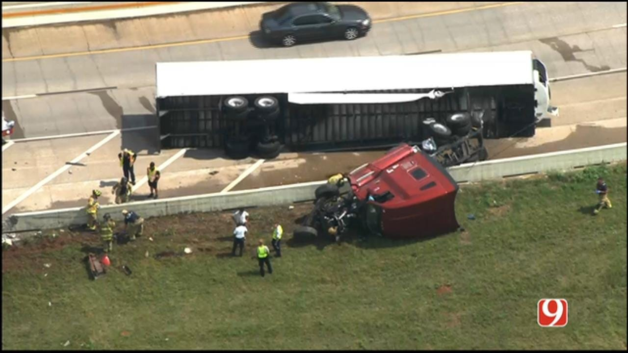 Crash Involving Tractor-Trailer Closed I-40 WB Lane