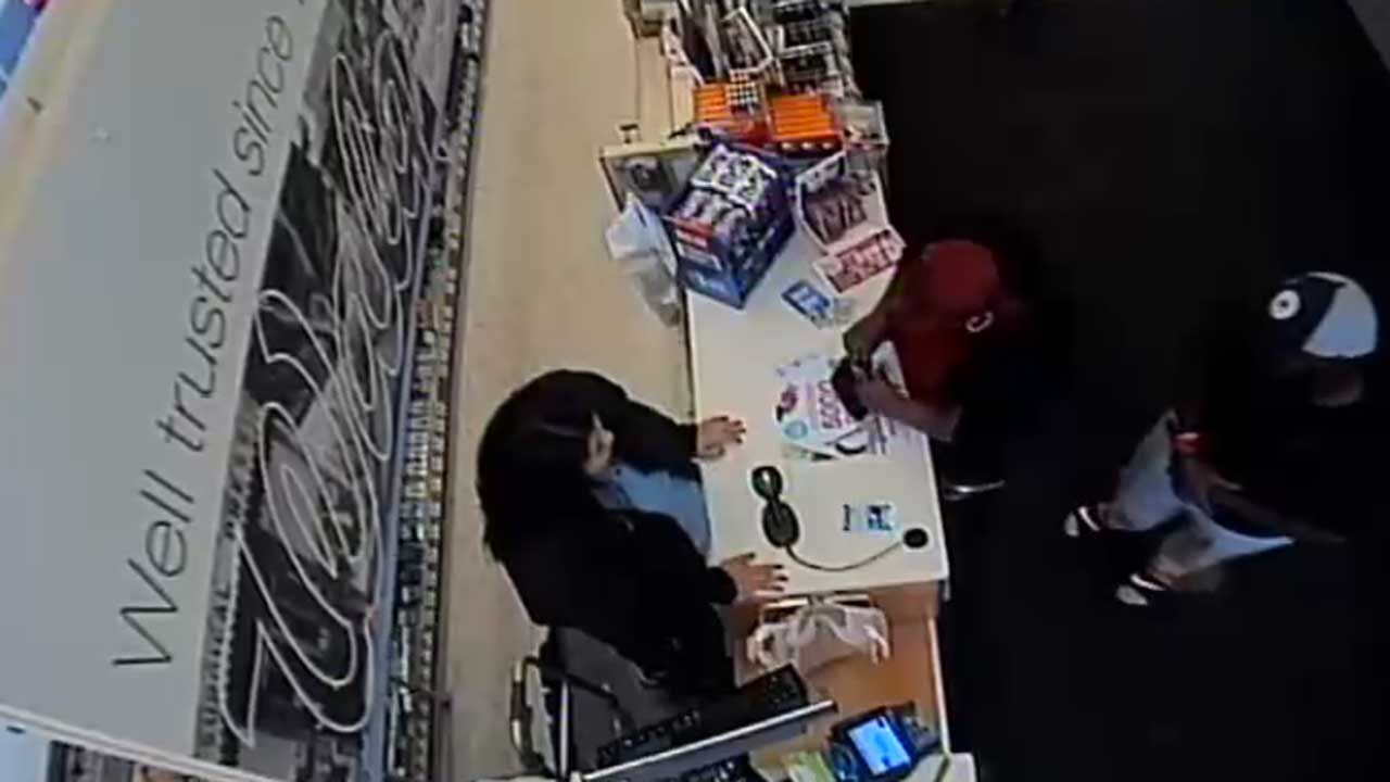 Couple Poses As Corporate Employees To Steal From Del City Walgreens