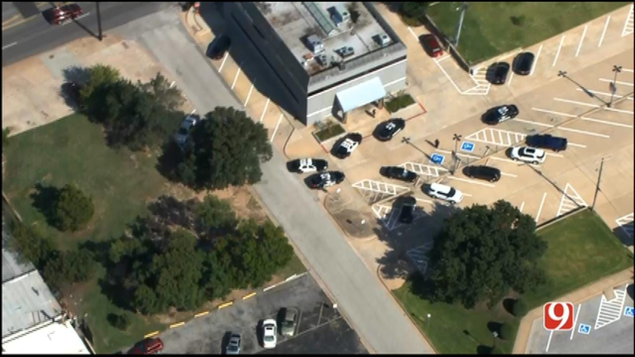 Authorities Searching For Suspect In NW OKC Bank Robbery