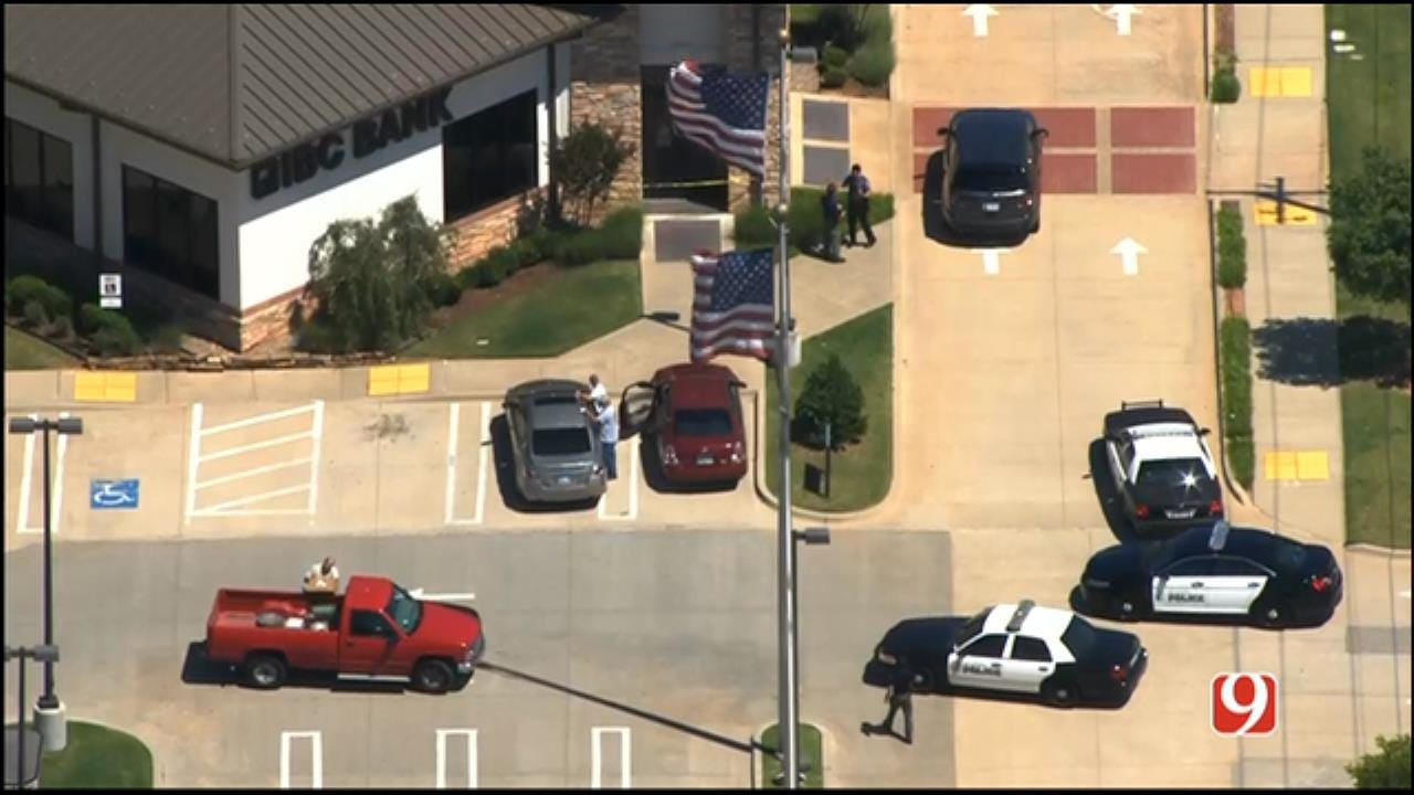 Bank Robbery Reported In Bethany