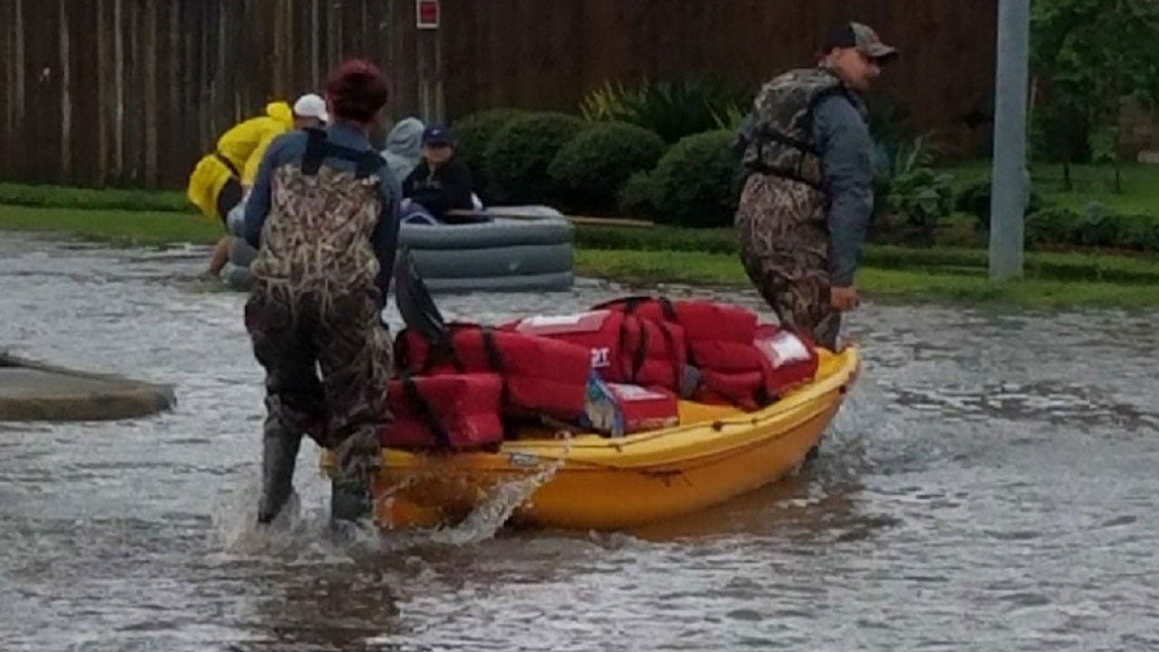 Pizza Delivery Workers Use Kayak To Make Houston Deliveries