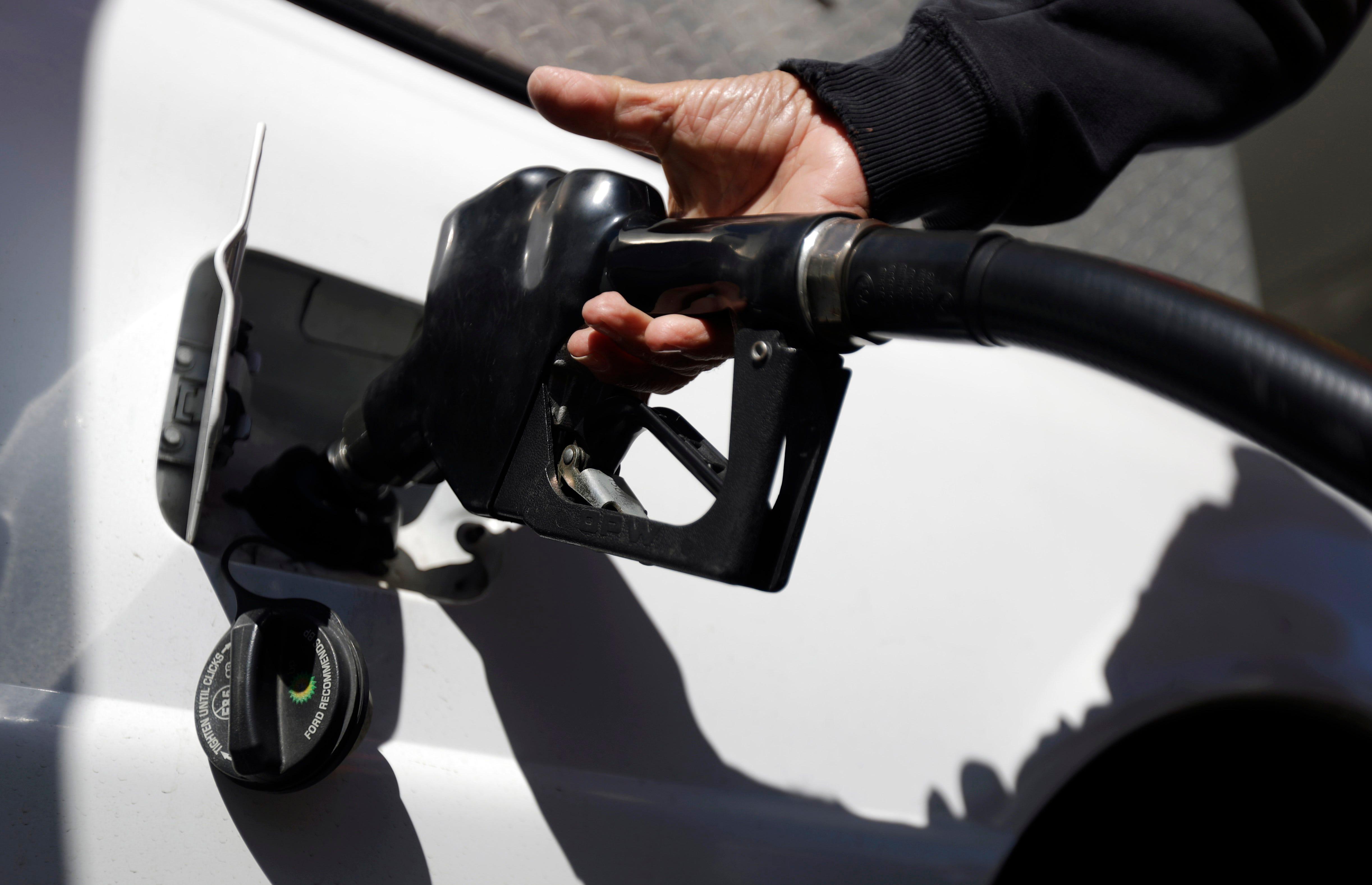 Avg. Gas Prices Fall 0.5 Cents Per Gallon In OKC