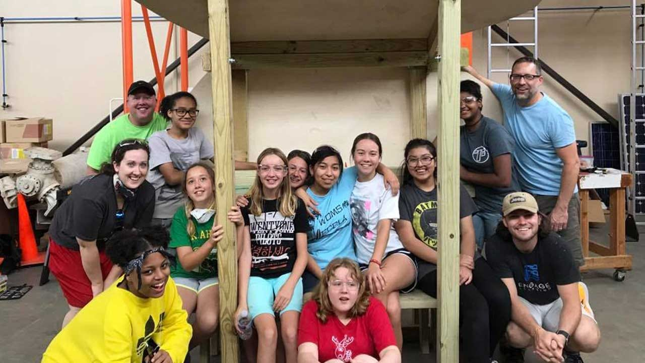 Engage Learning Helps Western Oaks Students Create Solar-Powered Cell Phone Charging Station