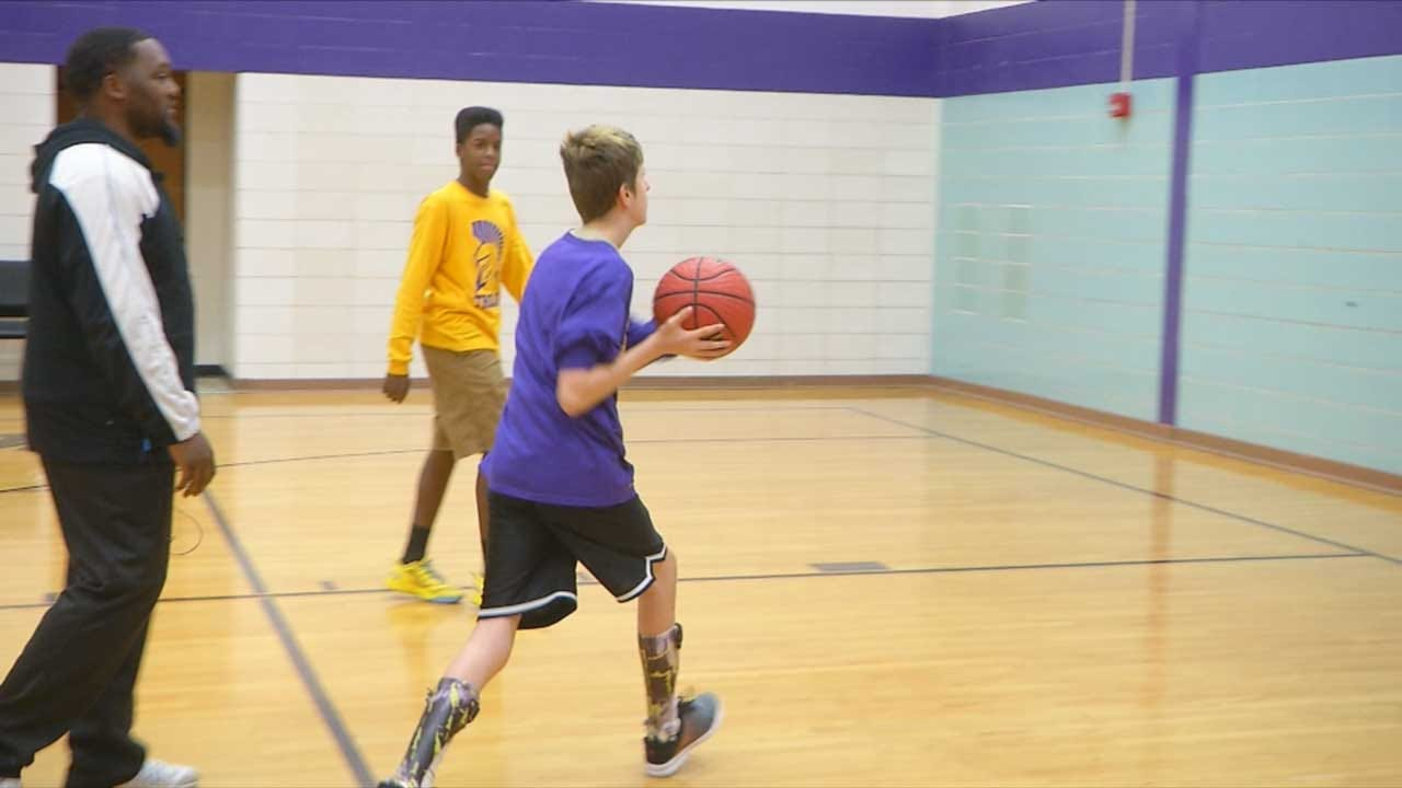Metro Teen With Autism, Muscular Dystrophy Excelling At Basketball
