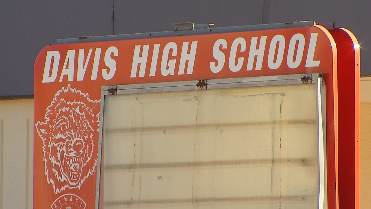 Davis Teacher Applies For Marriage License With Teen Student