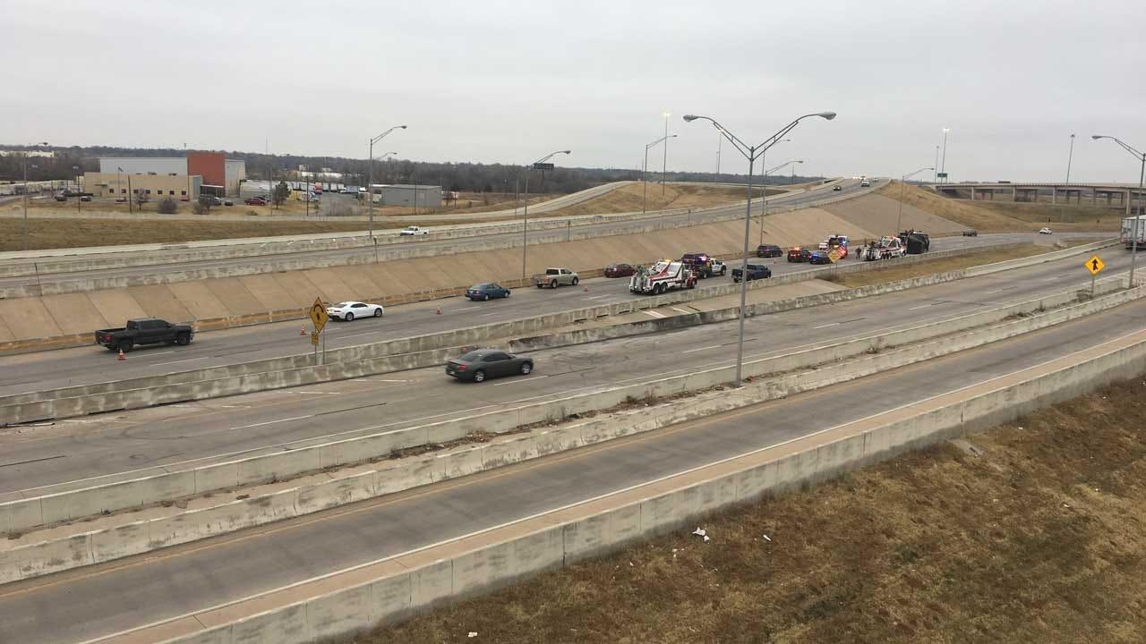 Crews Respond To Rollover Crash Involving Semi On EB I-40