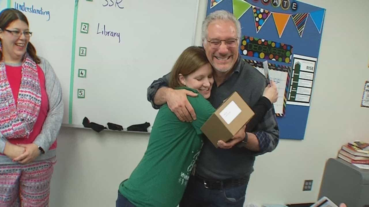 Local Businesses Donate Gift Cards To Teachers