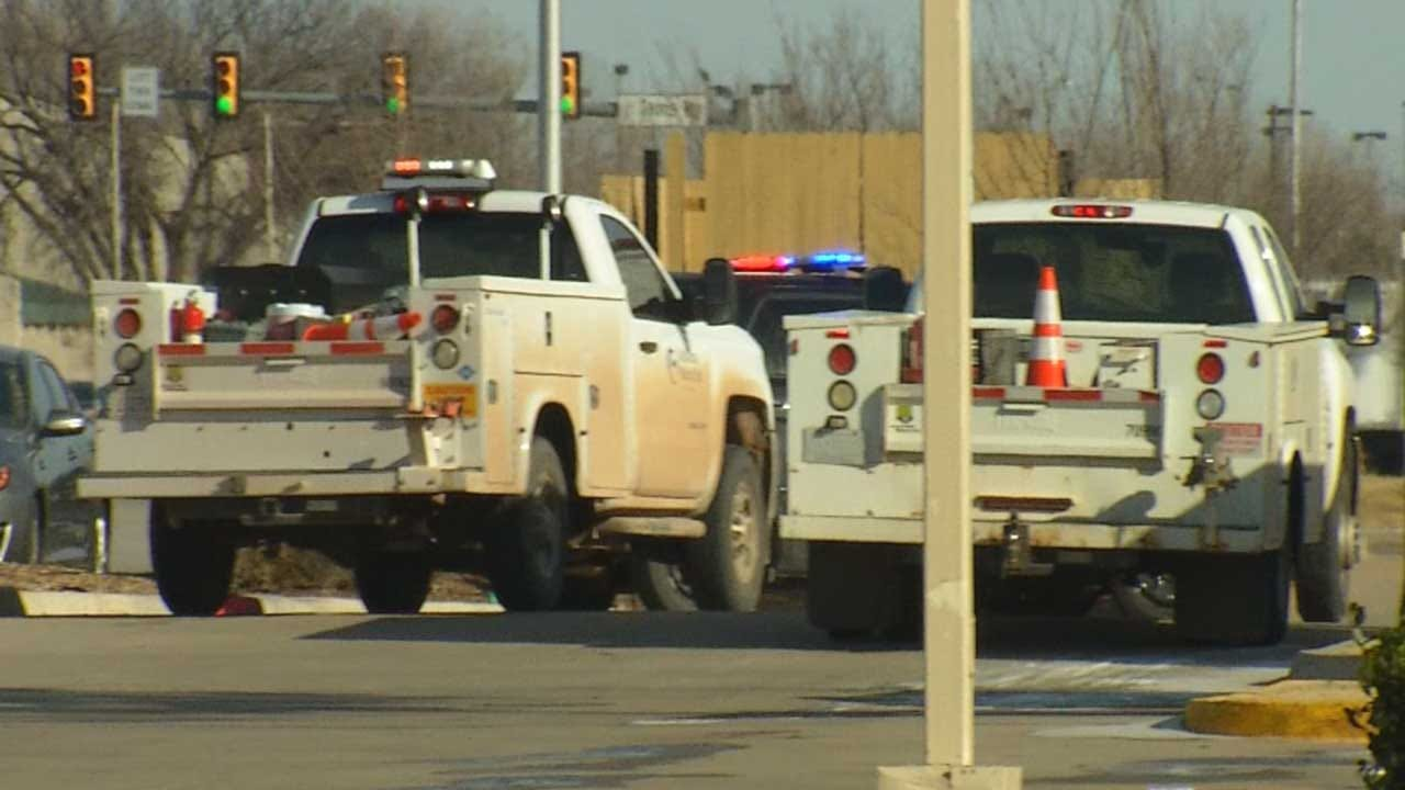 Officials Respond To High Pressure Gas Leak Near OKC Outlets