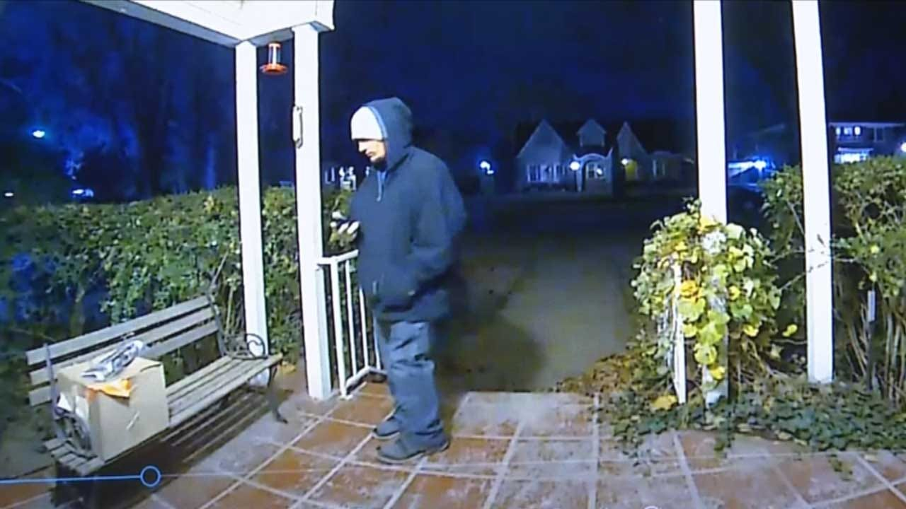 Blanchard Police Start 'Santa Squad' To Sink Porch Pirates