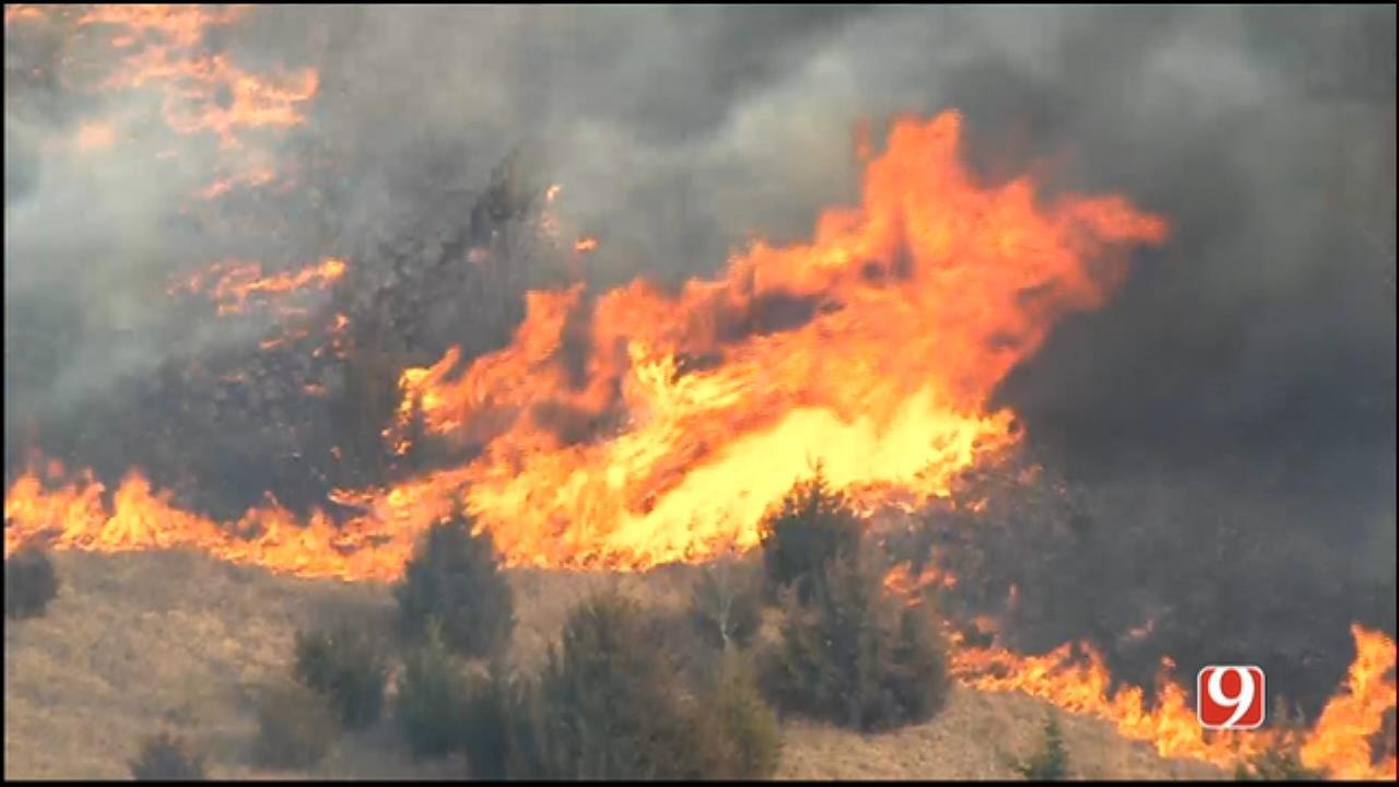Firefighters Battle Large Grass Fire In SE OKC