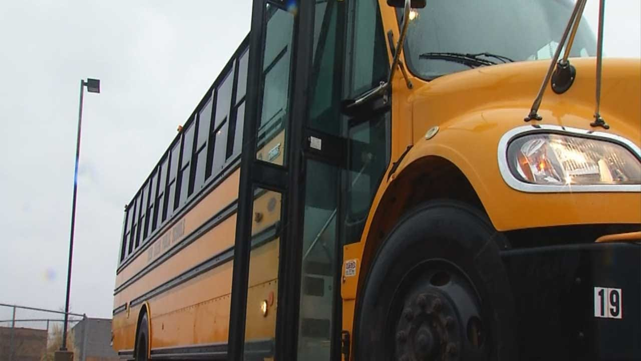 Bus Driver Saves Valentine's Day For 3rd Grader