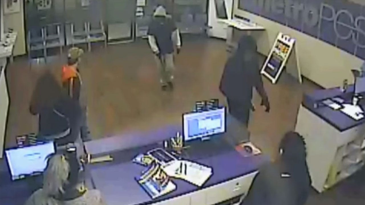 2 Suspects Sought In Armed Robbery Of OKC Business
