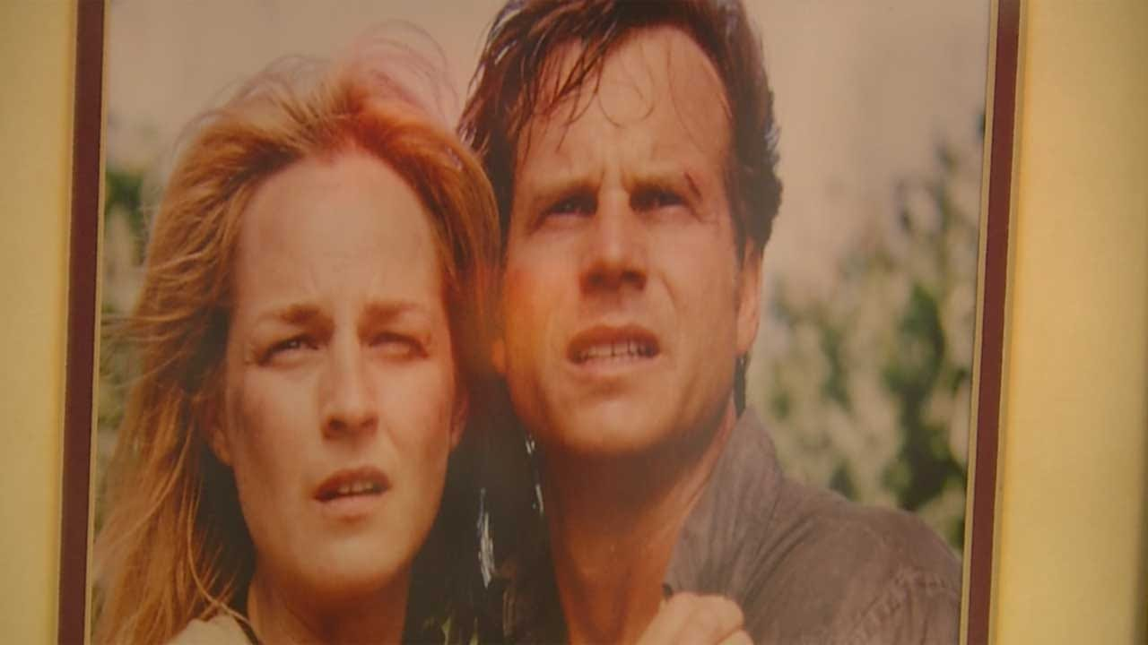 Oklahoma Town Remembers 'Twister' Star Bill Paxton