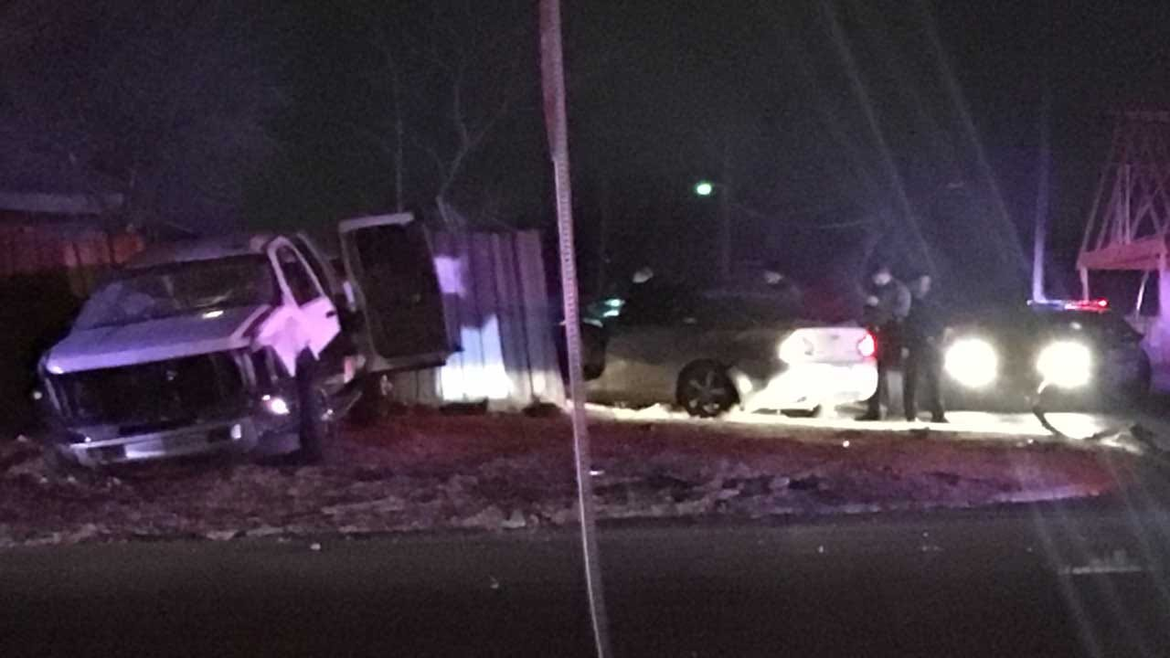 Short Police Chase Ends In Crash, Injuries In SW OKC
