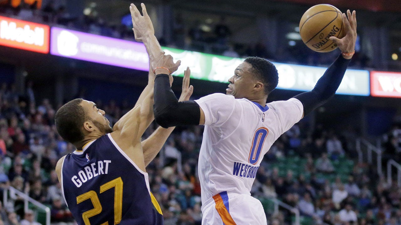 Russell Westbrook's Game-Winning Jumper Lifts Thunder Past Jazz