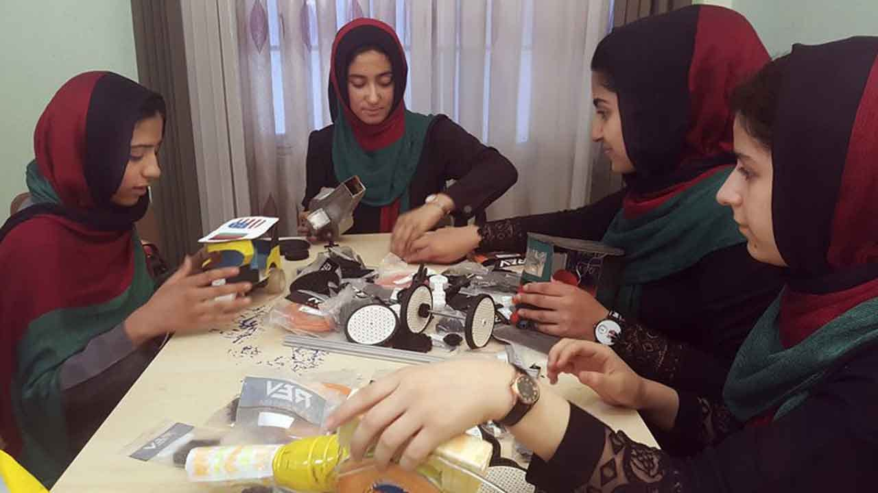 Afghan Girls Will Be Allowed Into U.S. For Robotics Contest