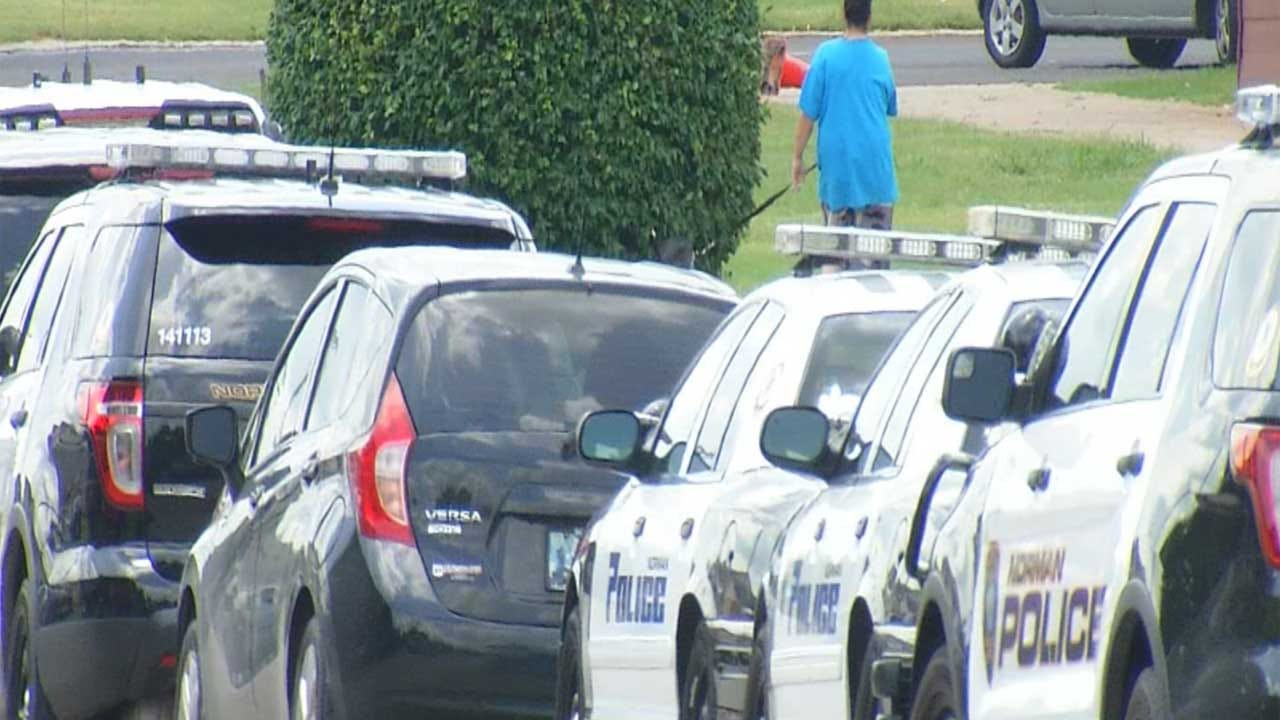 Standoff Ends Peacefully At Norman Apartment Complex