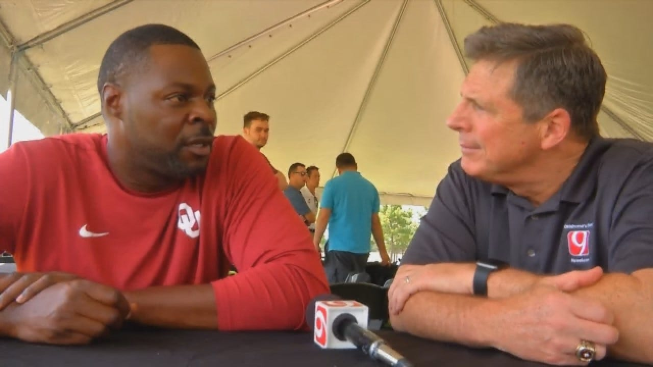 OU Assistant Dennis Simmons With High Praise Of His Head Coach