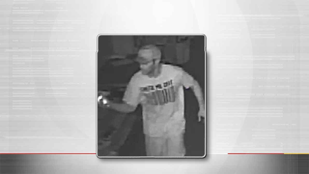 Warr Acres Hideaway Pizza Targeted By Robber
