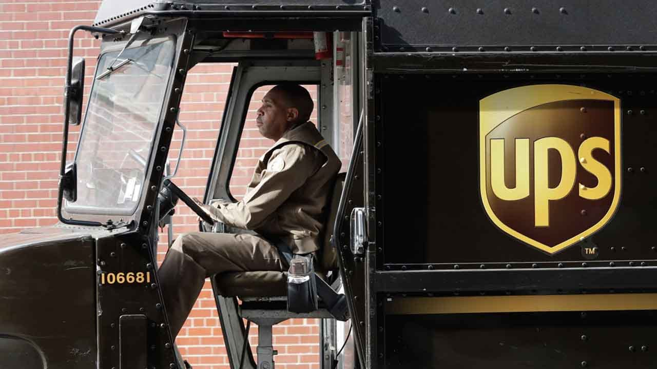 UPS Adds New Charge For Holiday Shipments