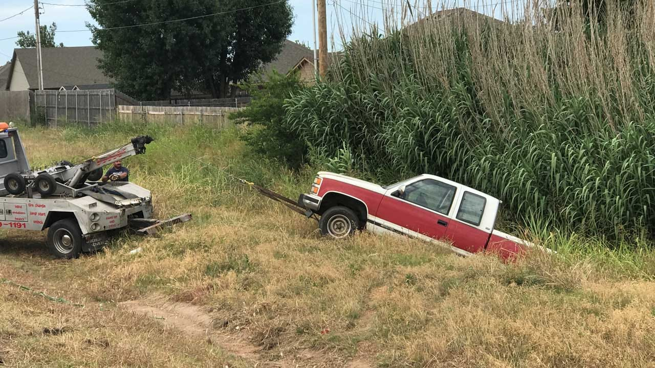 4 Detained After Theft, High-Speed Chase In Cleveland County