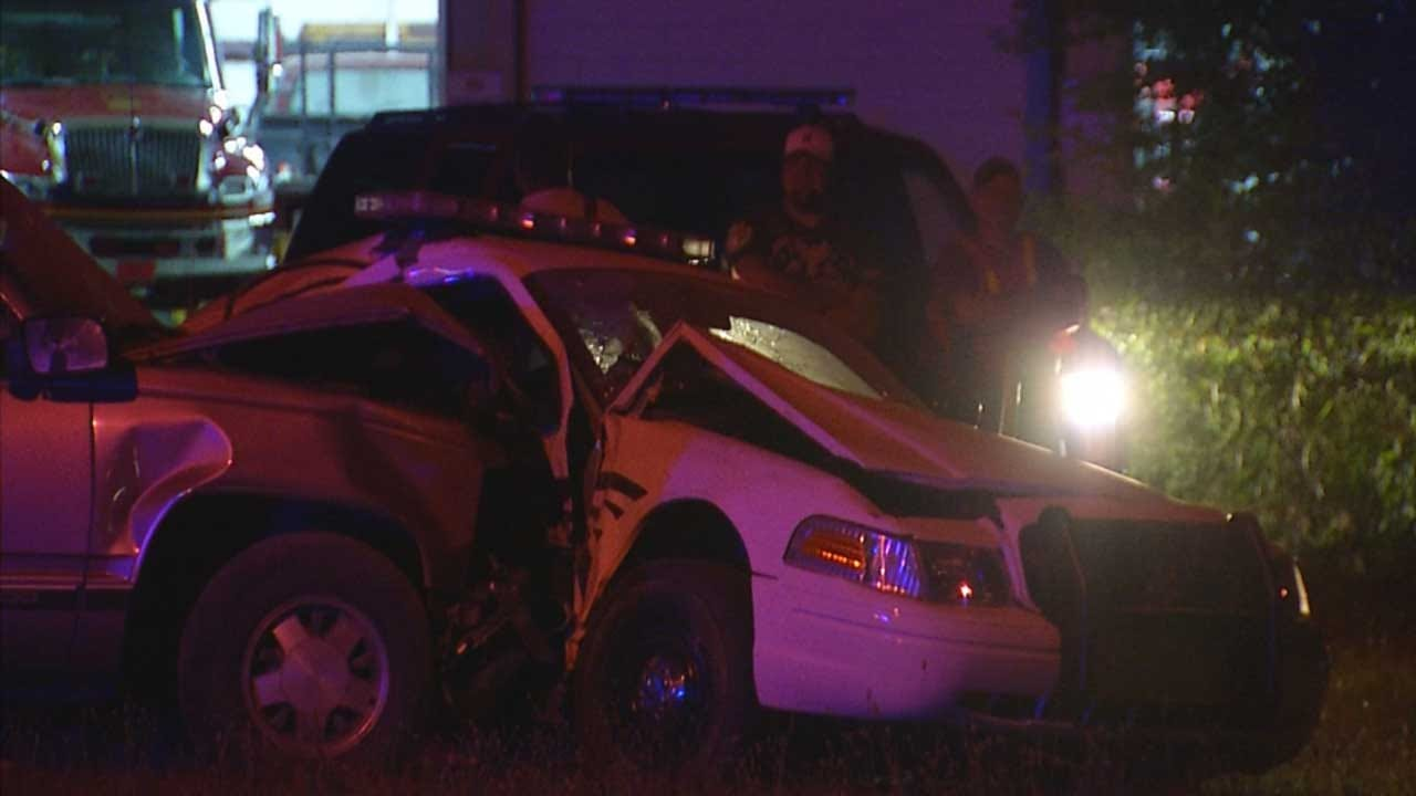 Suspected Drunk Driver Crashes Into Police Officer, Parked Car In Lincoln Co.