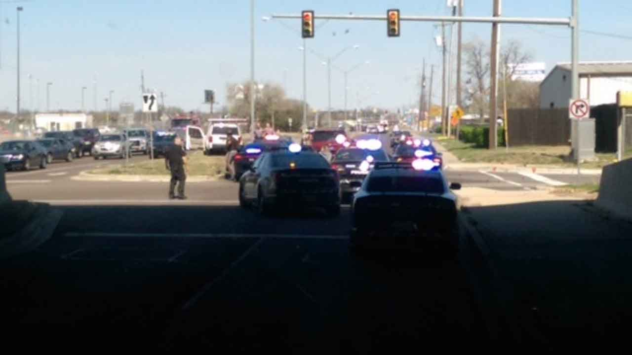 Suspect Crashes After Chase With Police In SW OKC
