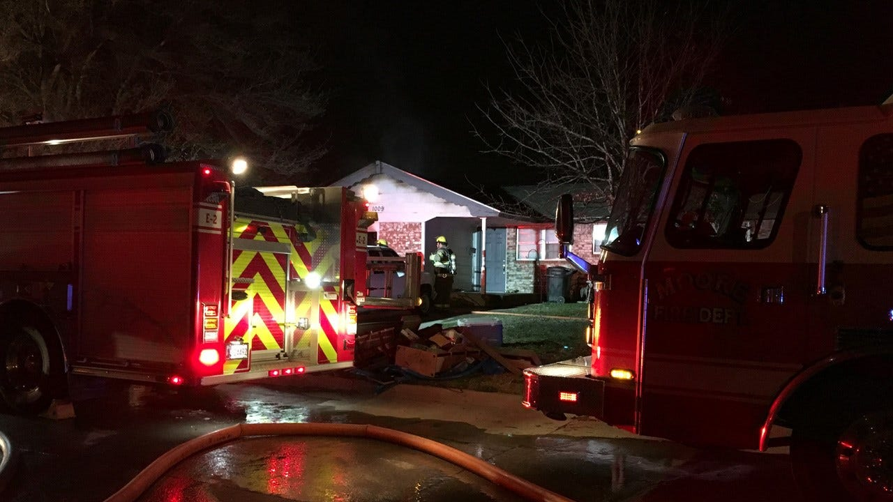 Moore FD Puts Out Early Morning House Fire