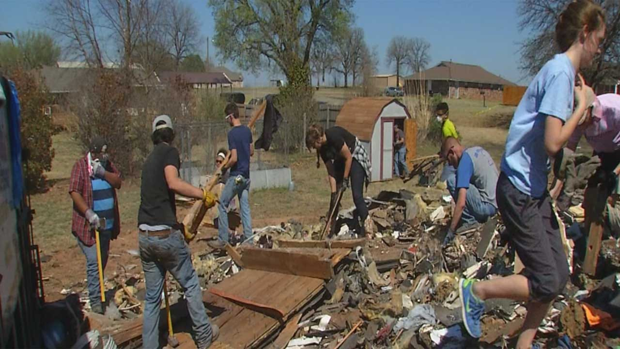 Students Spend Spring Break Helping Family After Fatal Luther Fire