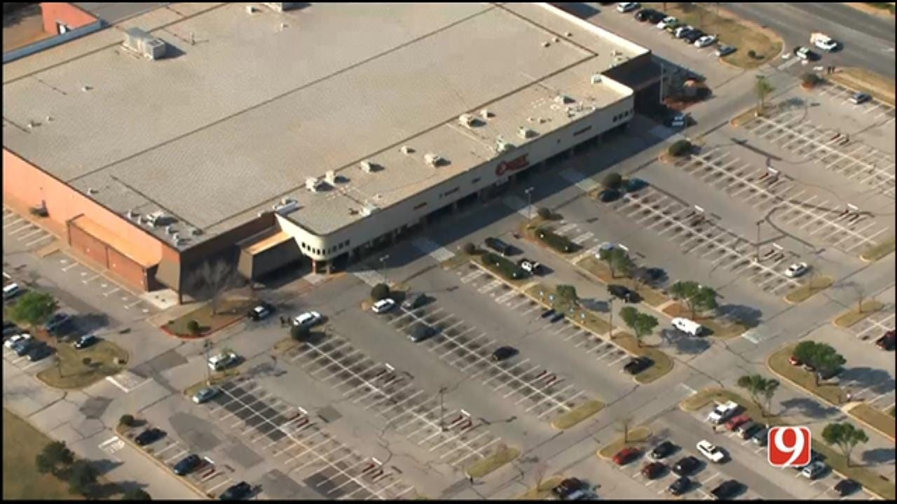 Police Give All Clear After Bomb Threat At Edmond Grocery Store