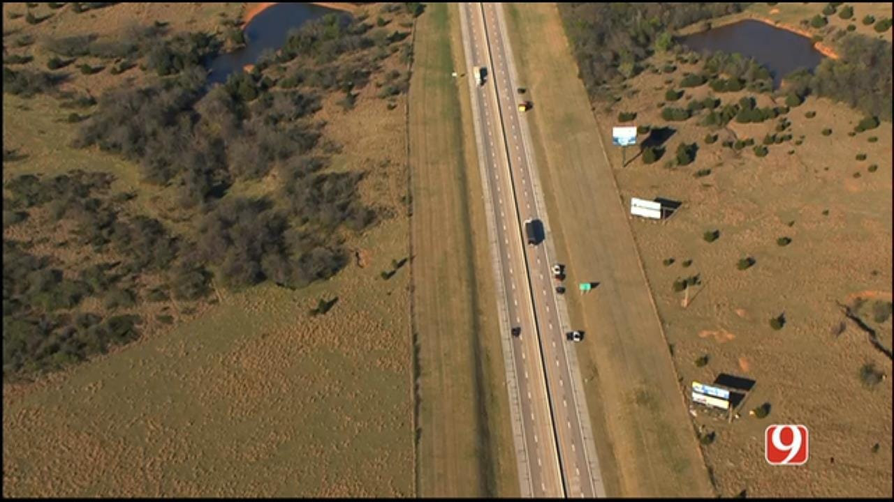 Two People Struck By Vehicle On I-44 Near Chickasha