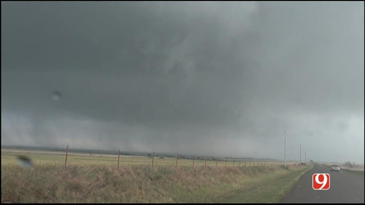 Tornado-Producing Storms Crossing Into Roger Mills, Beckham Counties