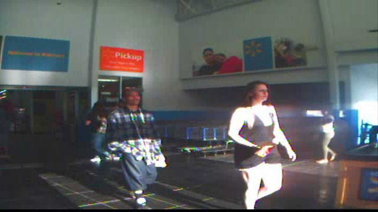 Police Looking For Suspects Who Stole From NW OKC WalMart