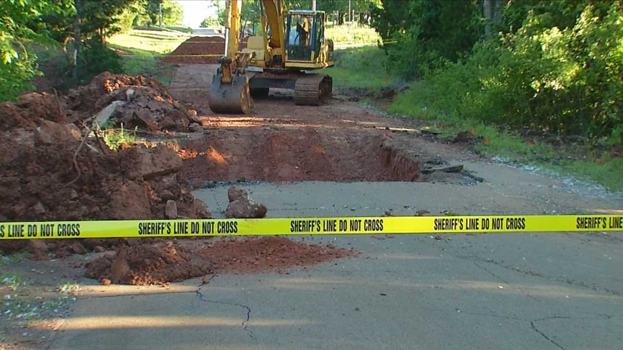 OK Deputies, Emergency Managers Warn Drivers To Avoid Certain Roadways