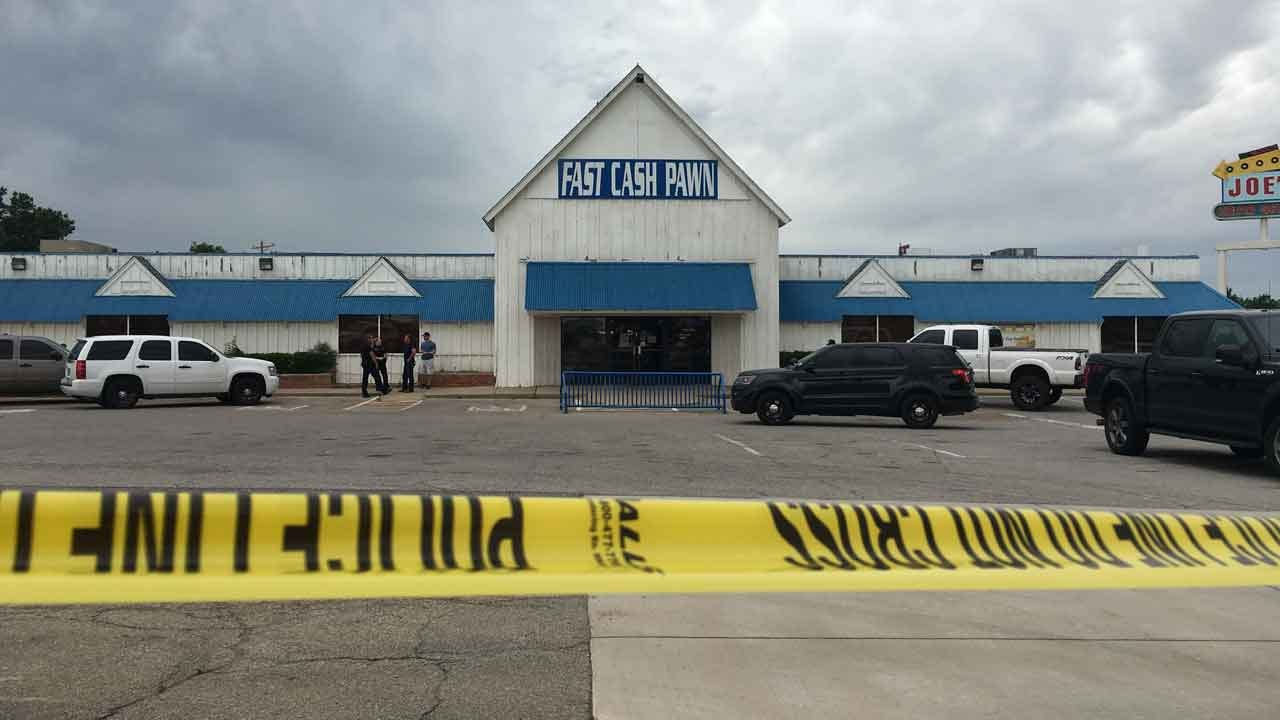 Warr Acres Pawn Shop Robbed At Gunpoint
