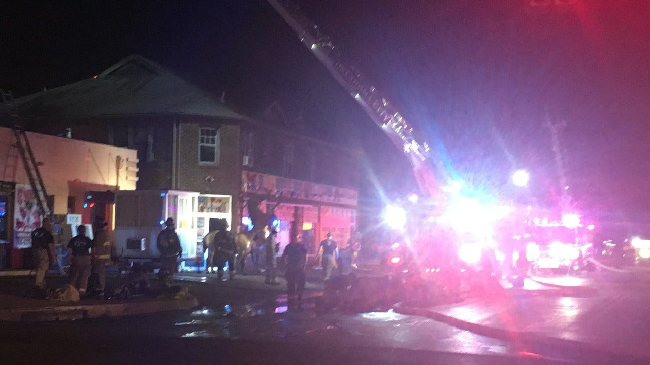 Crews Called To 2-Alarm Commercial Fire In SW OKC