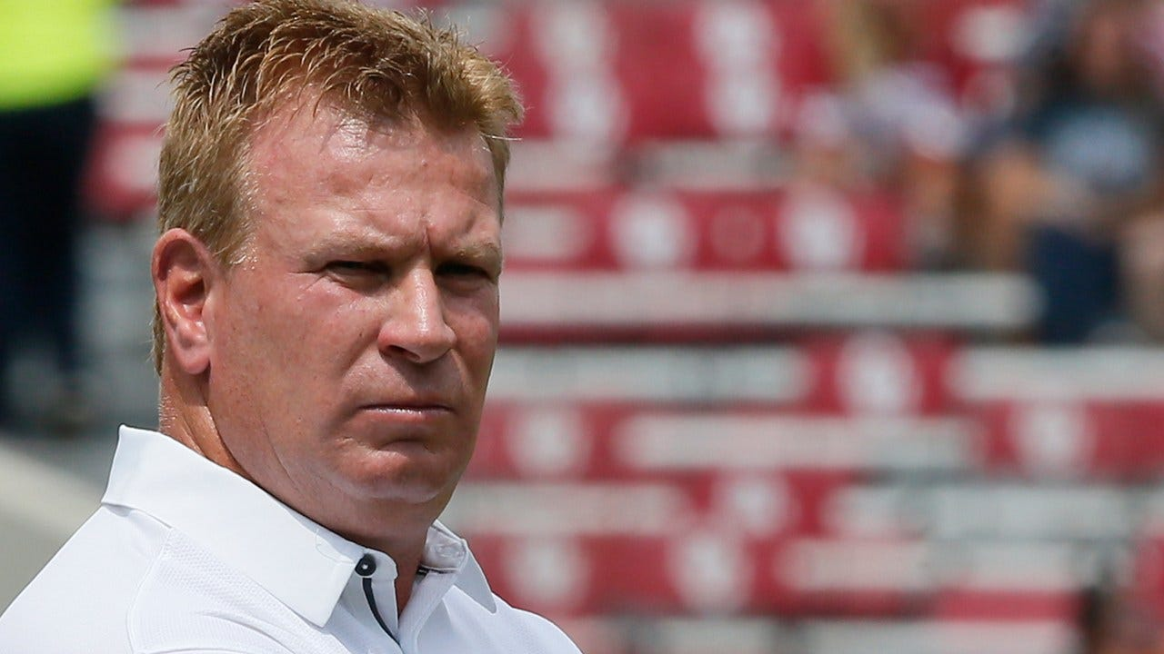 Mike Stoops Out As Defensive Coordinator For OU