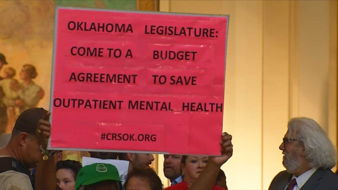 Demonstrators Demand Budget Agreement At State Capitol