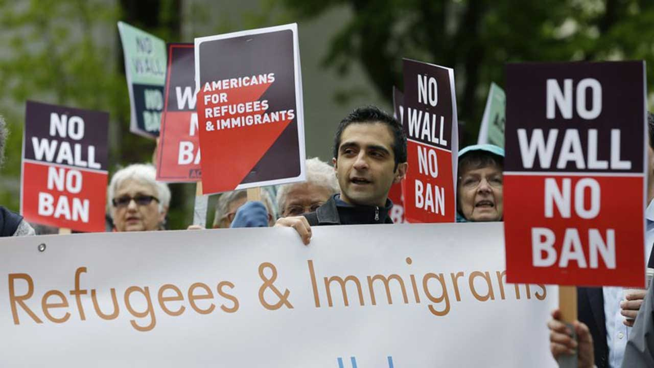 Trump Allows Refugee Admissions With 'Enhanced Vetting'