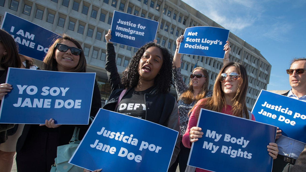 Undocumented Teen Has Abortion Before DOJ Appeal Ruling