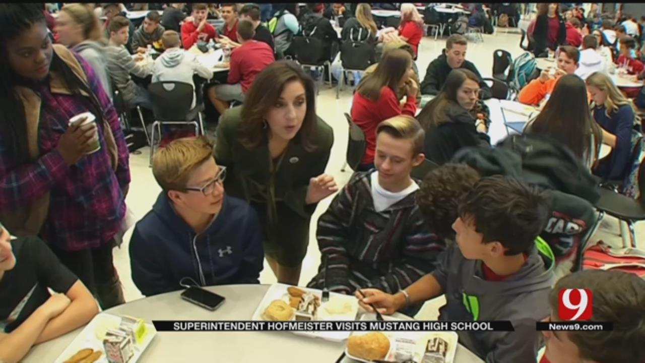 Superintendent Hofmeister Visits Mustang Schools