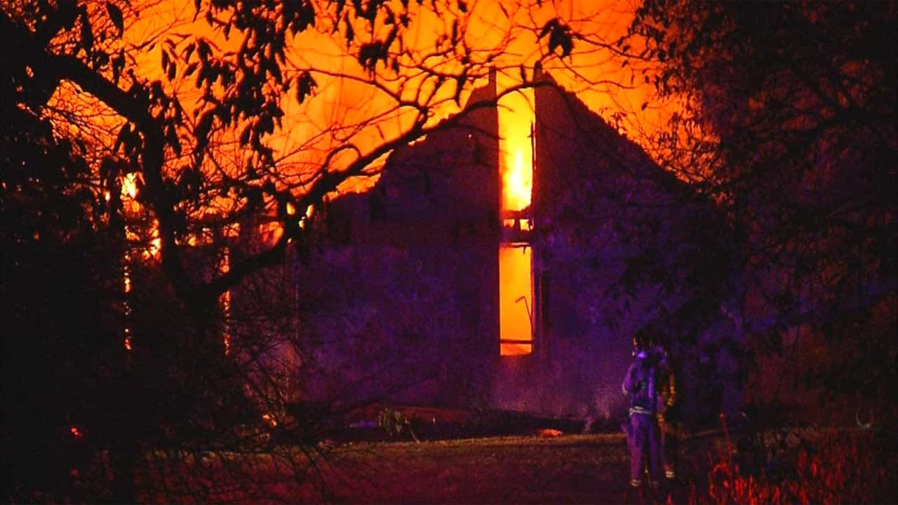 Crews Battle Fully-Involved House Fire Near Mustang