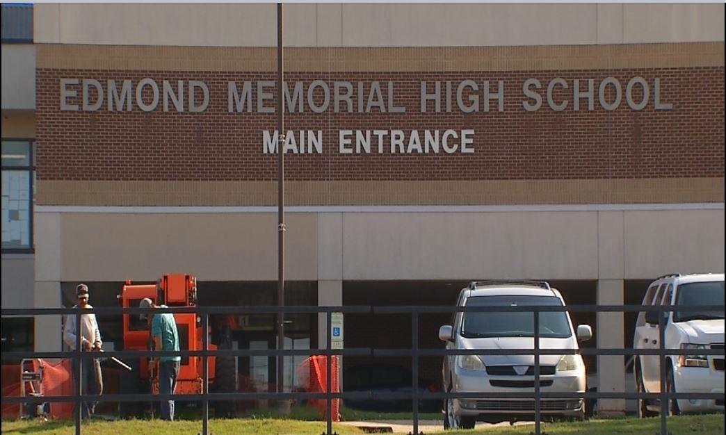 Edmond Memorial High School On Lockout During School Threat Investigation