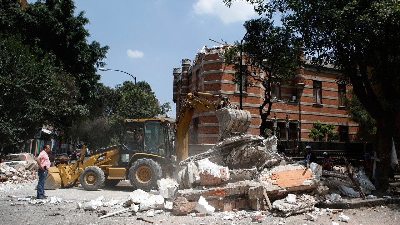 Major Earthquake Jolts Central Mexico