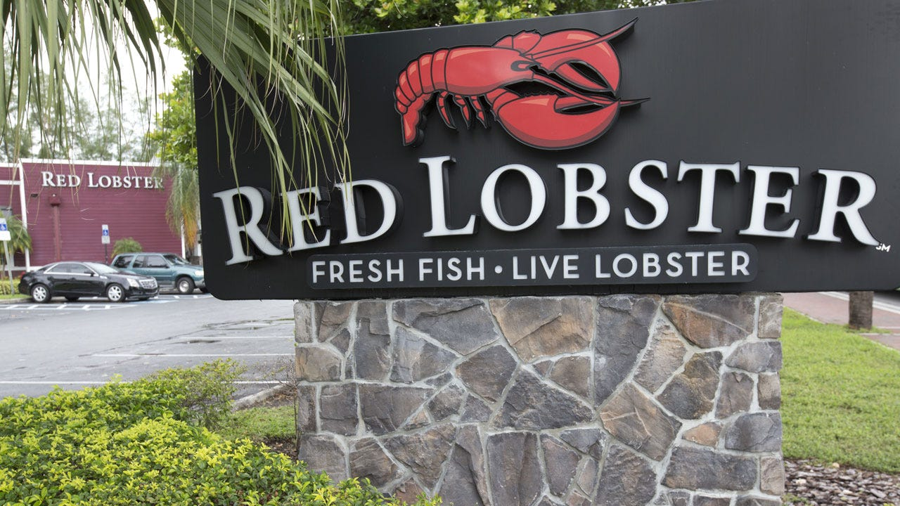 Intoxicated Elderly Woman Falls, Breaks Hip, Sues Red Lobster For Serving Her Too Much Alcohol