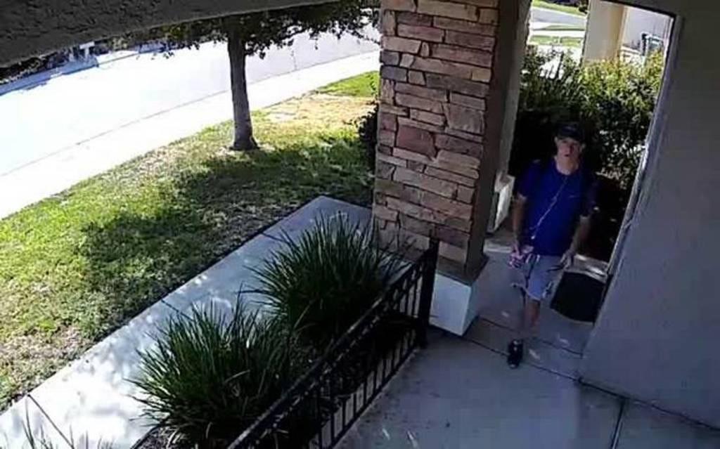 Watch Teen Return Wallet With $1,500 To Owner's Doorstep