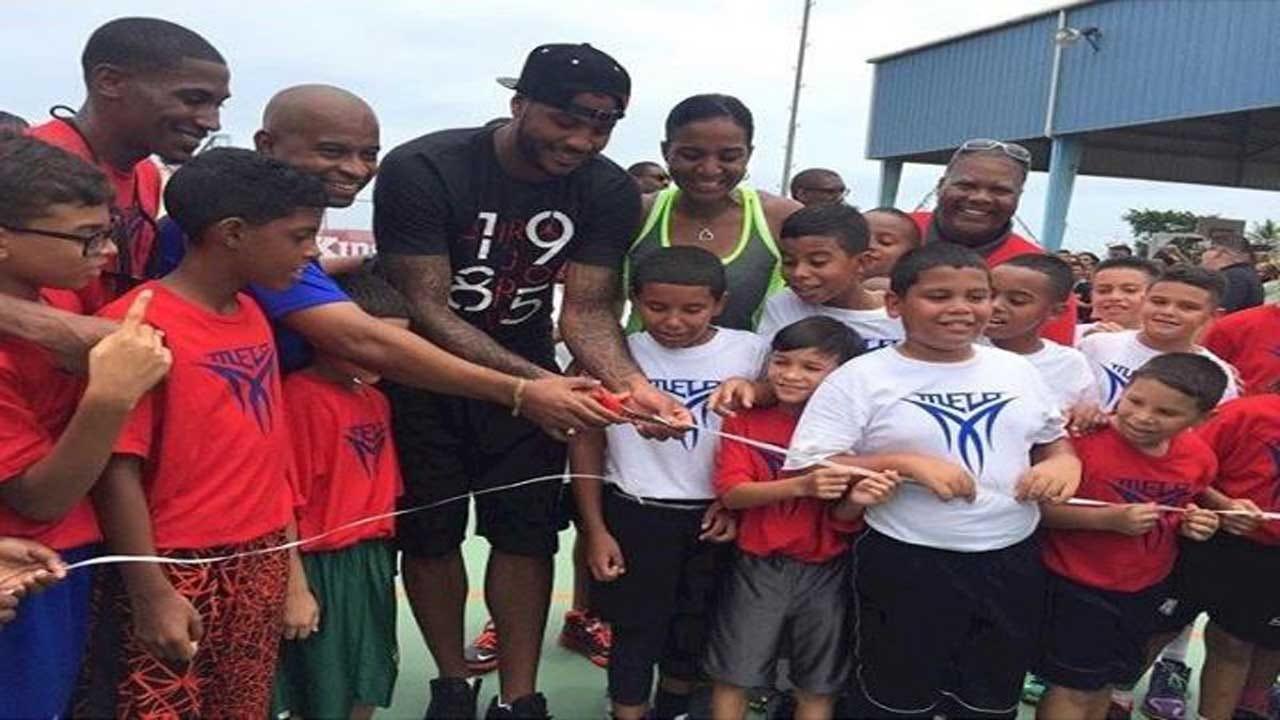 Carmelo Anthony Raises Money For Puerto Rico Hurricane Victims