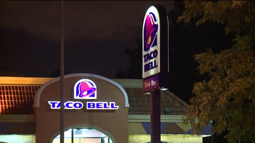 Taco Bell Employees Shoot, Kill Armed Robbery Suspect in Cleveland