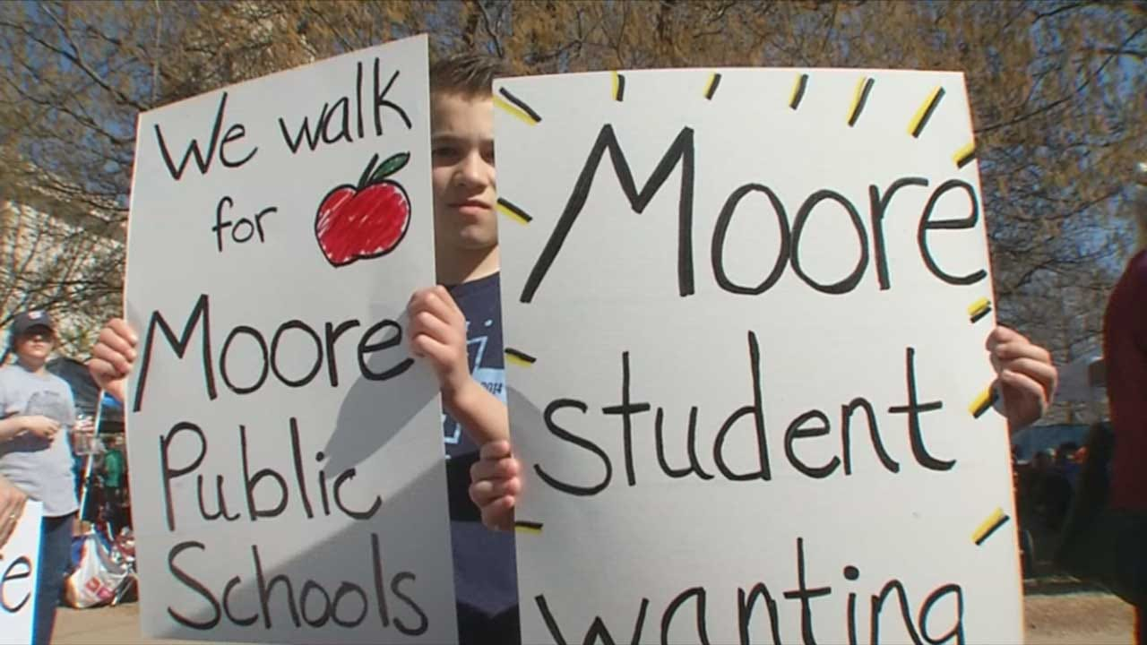 Opinions Differ As Moore Returns To Classroom, Some Continue Walkout